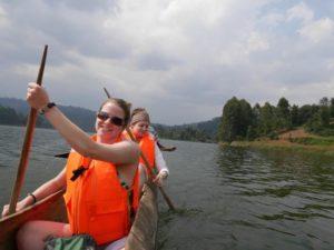 Canoeing-lake Bunyonyi